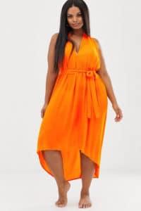 Tenue de plage orange