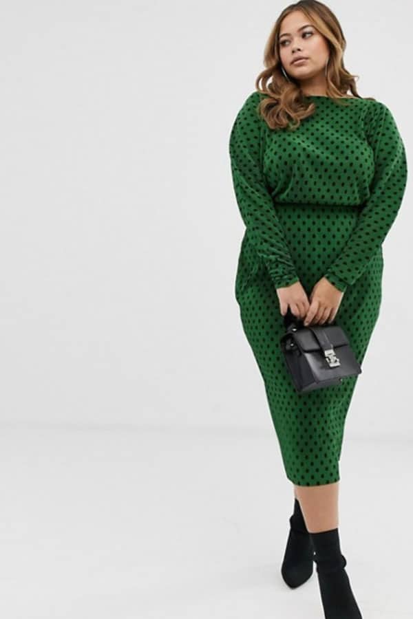 Mode femme ronde : robe verte à pois