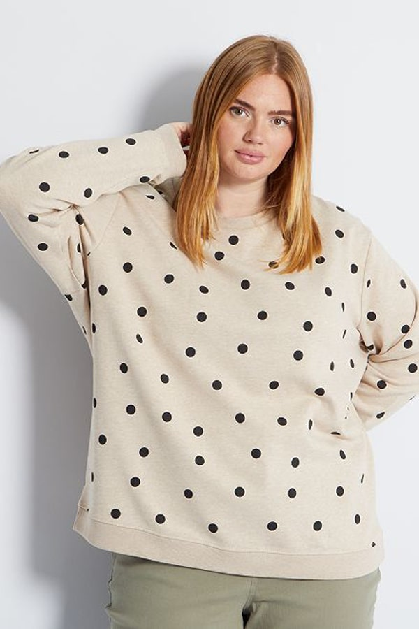 Pull à pois grande-taille