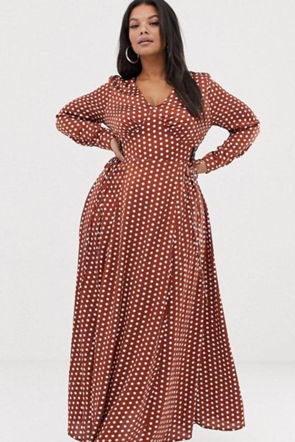 Mode grande taille : robe longue à pois