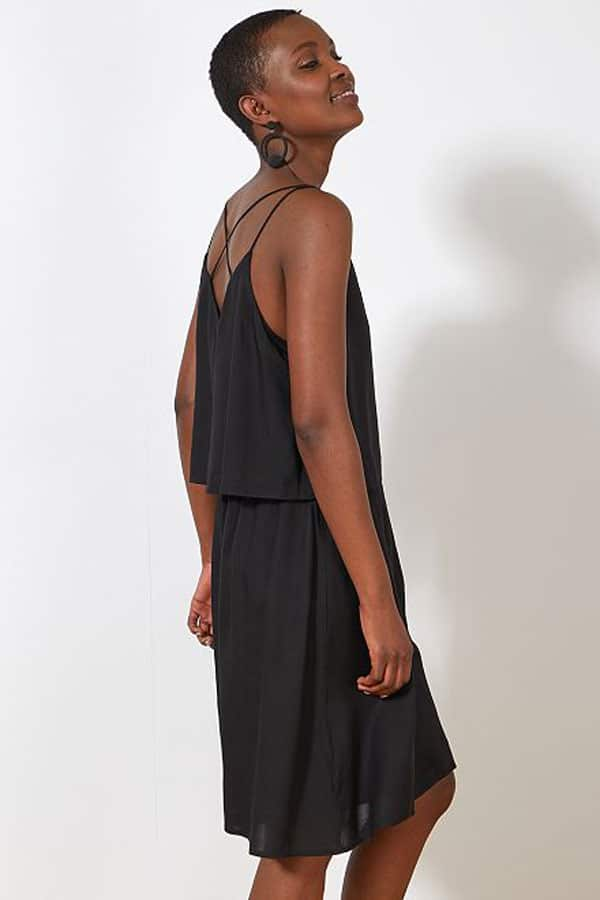 Tenue de mariage : Robe noire bretelles fines Kiabi