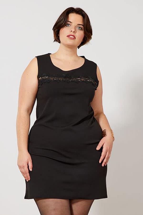 Tenue de mariage : Petite robe noire grande taille Kiabi