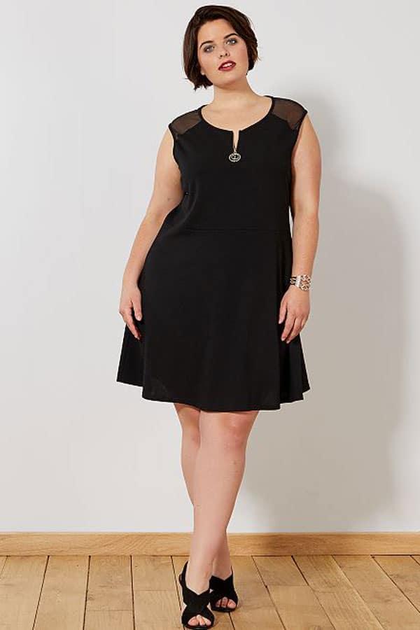 Mode grande taille : robe noire classe