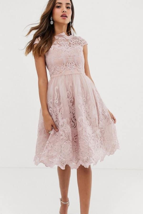 Tenue de mariage : Robe en dentelle rose ASOS